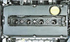 Замена прокладки крышки головки блока цилиндров Опель Астра Н