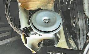 Снятие и установка звукового сигнала Опель Астра Н