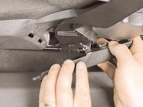 Снятие и установка переднего сиденья Опель Астра Н