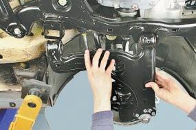 Замена рычага передней подвески Опель Астра Н