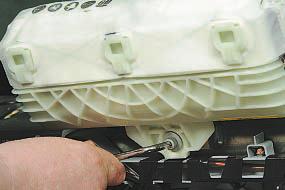 Снятие и установка подушки безопасности переднего пассажира Опель Астра Н