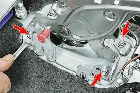Снятие и установка рычага привода стояночного тормоза Опель Астра Н